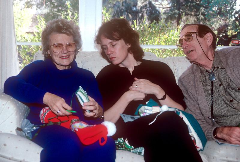 1990-12 Chris and Joe & Hokie Christmas.jpg