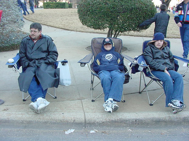 Freezing for the Ft Worth Parade 2005.JPG