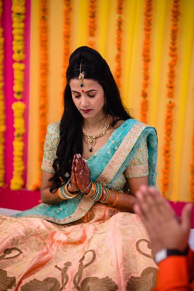 Candid Wedding Photographer Ahmedabad-1-44.jpg