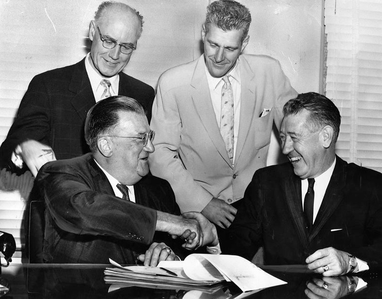 1959, Signing the Formal Pact for Dodger Stadium