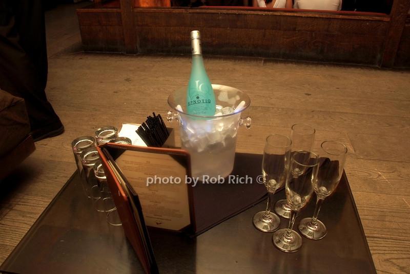 Hpnotiq photo by Rob Rich © 2008 robwayne1@aol.com 516-676-3939