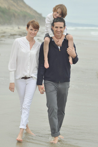 taking pictures of the Fendleys at the beach