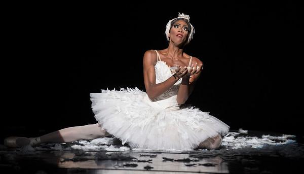 Les Ballets Trockadero/18