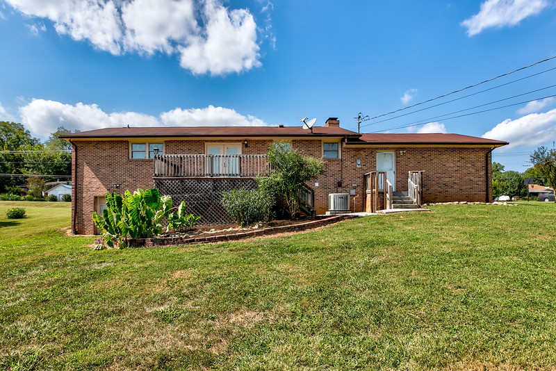 678 Old Middlesboro Hwy-32.jpg
