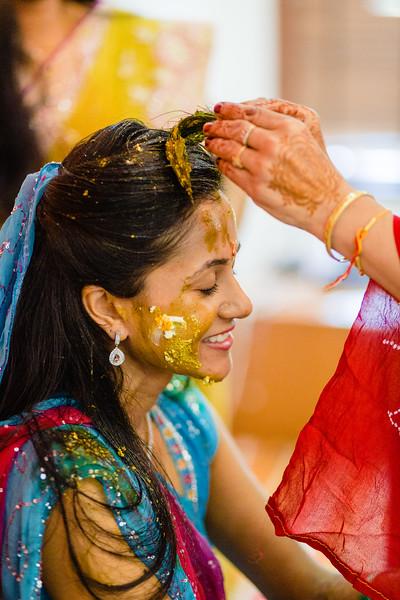 Candid Wedding Photographer Ahmedabad-1-115.jpg