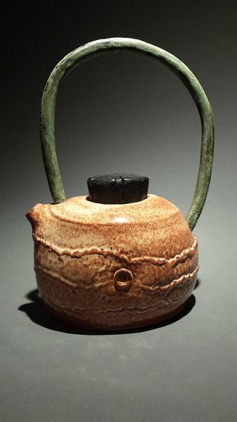 teapot_w_copper_handle_pub.jpg
