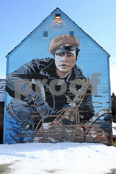 A painting of Marlon Brando on the side of a building in Roslyn, WA.