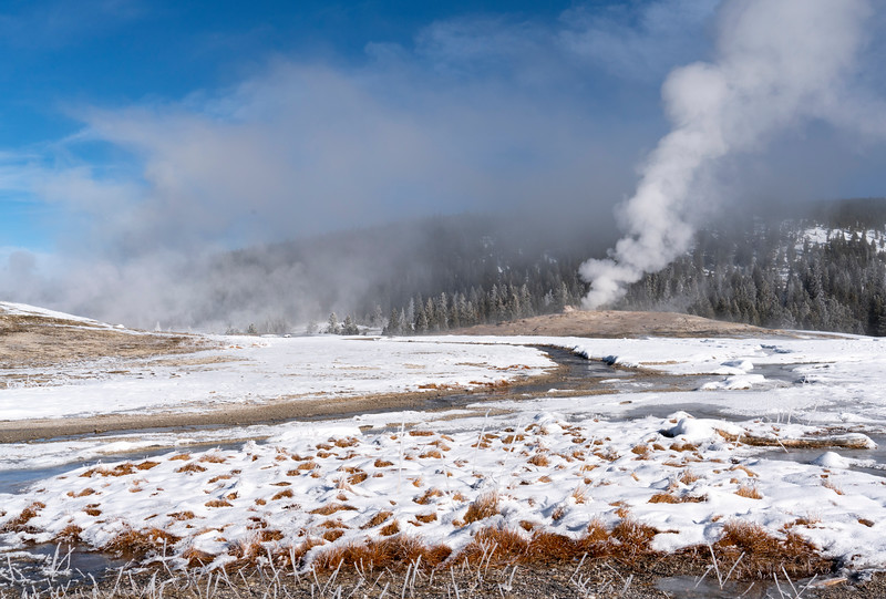 _AR71451 Old Faithful from outflow rule of 3rds crop.jpg
