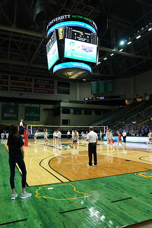 LB VB Sidelines at DIII State Final (2019-11-09)