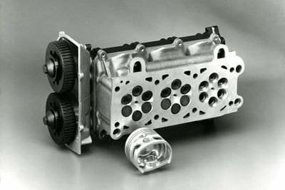 (6.36) Maserati 6Valves Head (1985).
