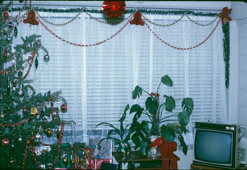 1969 12 Christmas 4.jpg