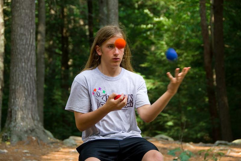 Amos Meeks Juggling   (Sep 08, 2007, 12:31pm)