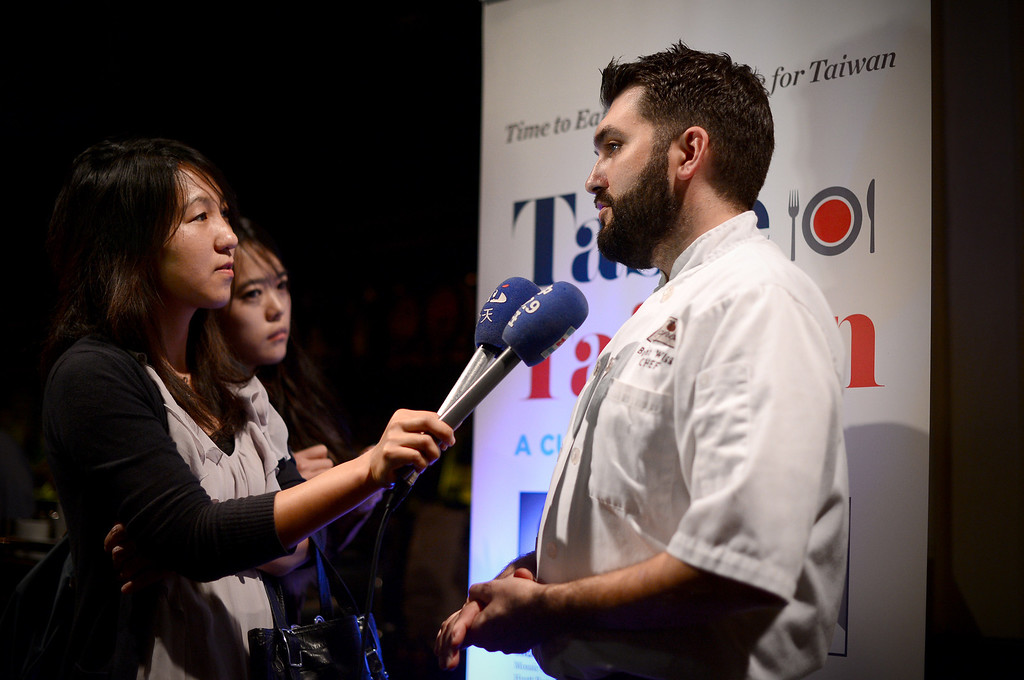 ". Trattoria Neapolis\' chef Bryant Wigger, one of three chefs chosen in North America for the show ""Taste Taiwan,\"" speaks to media Tuesday night, January 14, 2014 as he shares his culinary adventure on the island and a fusion pork dish recipe he came up with which he plans to include at Neapolis in Pasadena. (Photo by Sarah Reingewirtz/Pasadena Star-News)"
