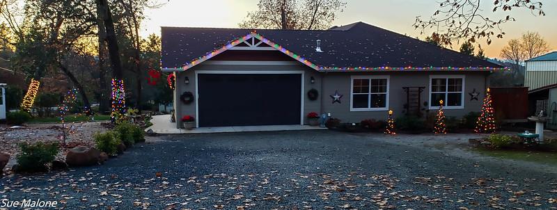 12-01-2020 Christmas Lights Up-2.jpg