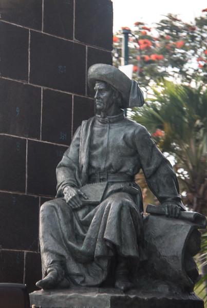 Statue of Henrique the Navigator