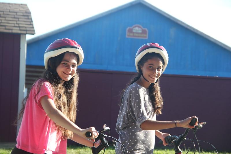 kars4kids_thezone_camp_girlsDivsion_activities_biking (13).JPG