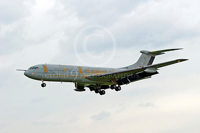 Flying British RAF BAC VC10 Airplane Pictures