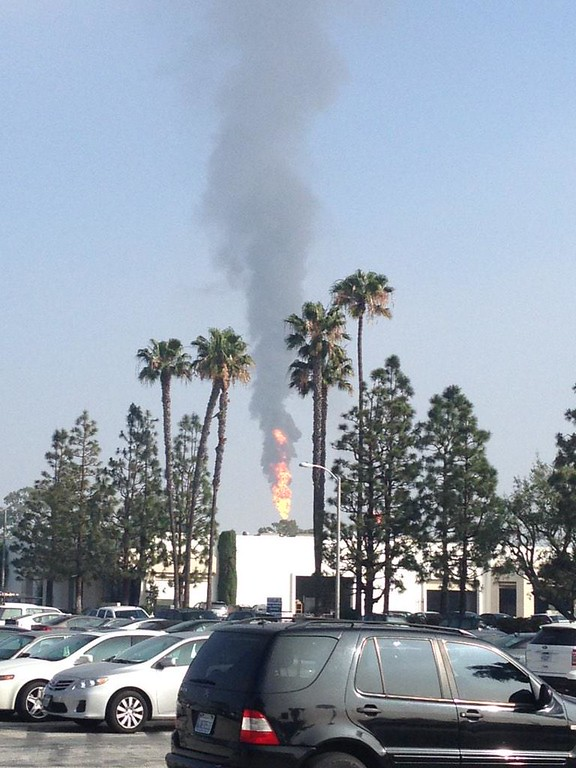 . An explosion and fire in a gasoline processing unit rocked the ExxonMobil refinery in Torrance, Feb. 18, 2015. (Photo by Jessica Martinez for the Daily Breeze)