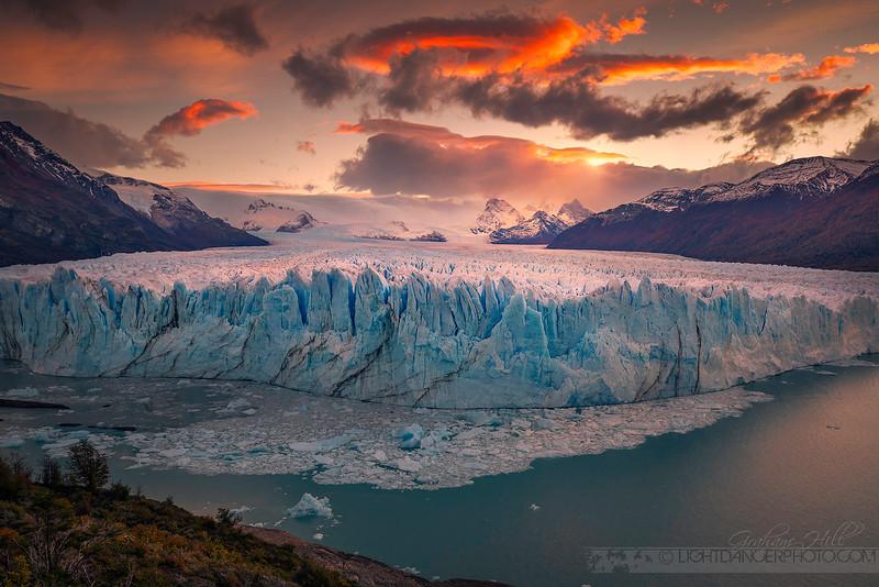Patagonia - Perito Moreno More Sunlight.jpg