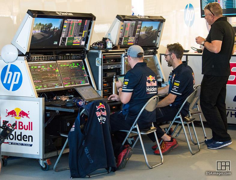 Red Bull Holden Racing Team (Triple Eight Race Engineering)