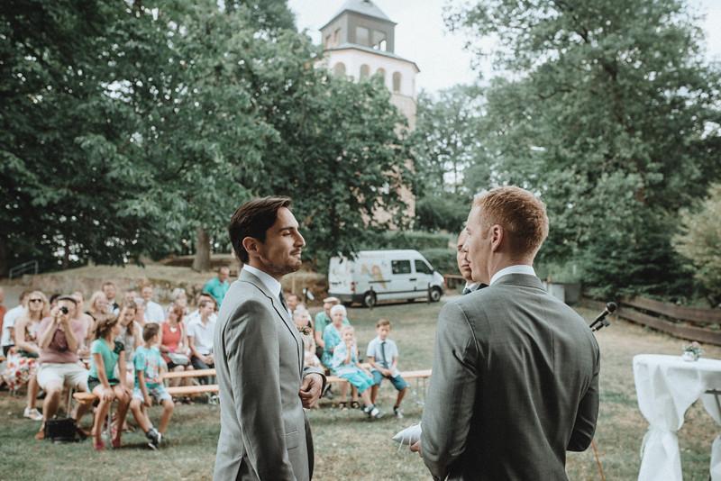 Hochzeitsfotograf-Tu-Nguyen-Destination-Wedding-Photography-Hochzeit-Eulenbis-Christine-Felipe-30.jpg