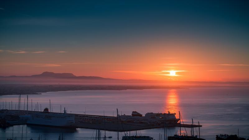 Sunrise in Palma de Mallorca bay