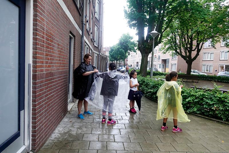 Nederland, Amsterdam, Derde dag van de avond vierdaagse, 30-05-2018, foto: Katrien Mulder