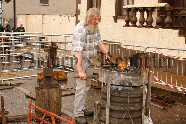 The Blacksmith hard at work, 07W35N60