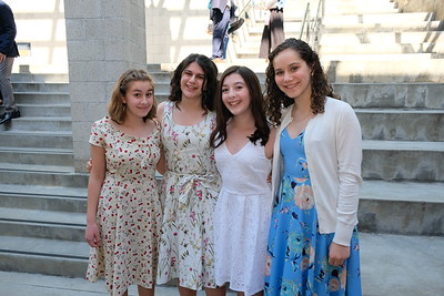 Flintridge Prep Honors 8th-Graders at Promotion
