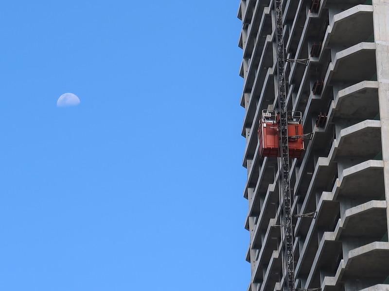 IMG_0395-times-square-moon.JPG