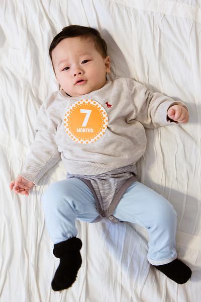 Seth 7 month-3057.jpg