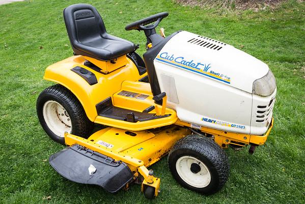 Cub Cadet GT2523 Tractor