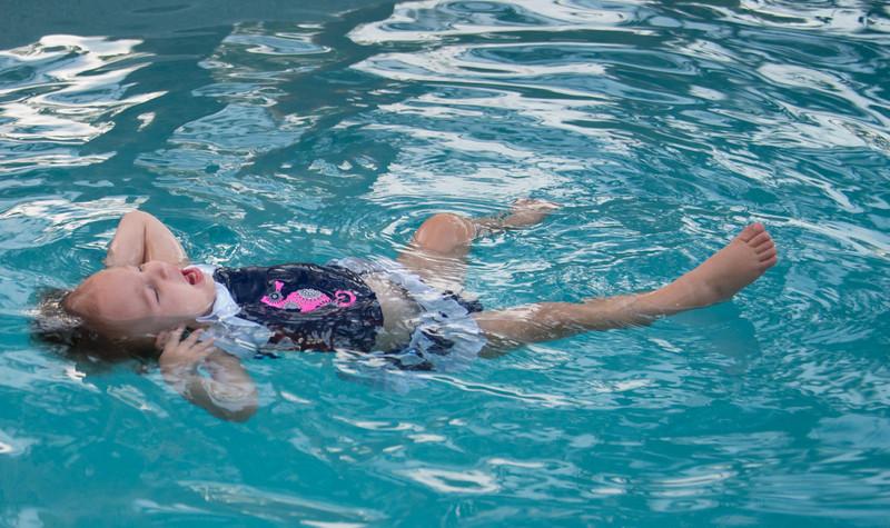Ava Swimming-10.jpg