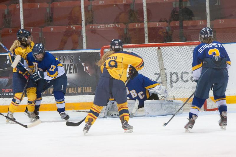 20130310 QWHockeyvsUBC 220.jpg