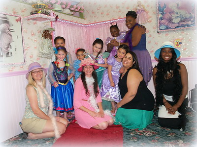 Olivia's Dollhouse Mother's Day Tea Party