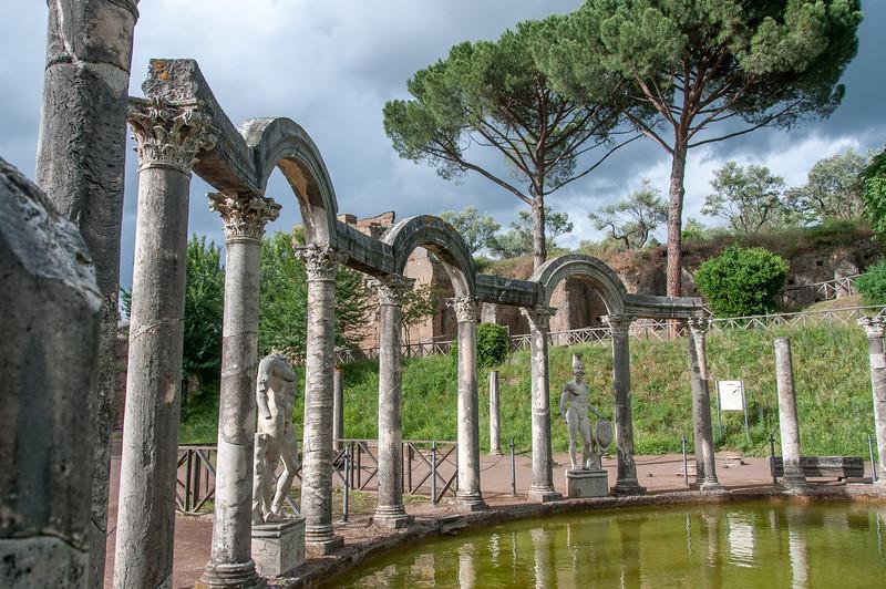 Pillars and sculptures at Villa Adriana - Italy
