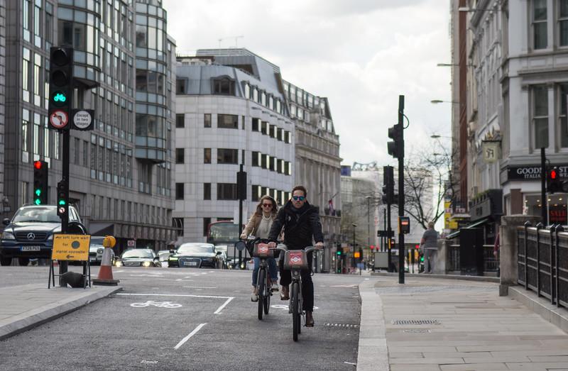 Farringdon Street cycle superhighway