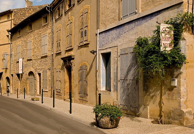 lourmarin street.jpg