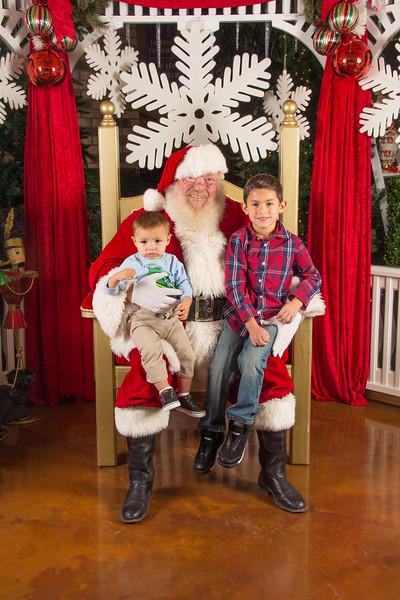 Santa 12-16-17-27.jpg