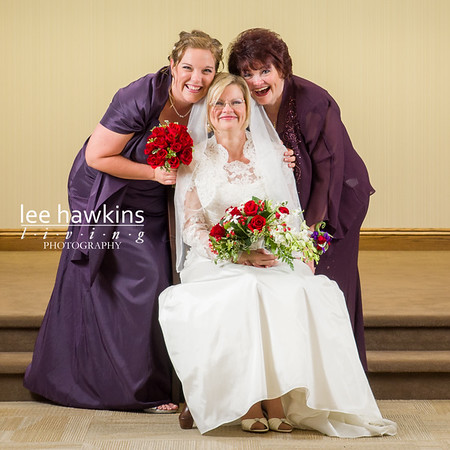 Formal portrait of bride with sister and neice