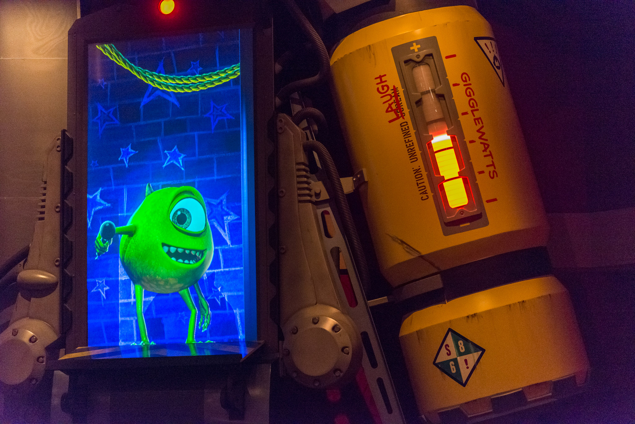Gigglewatts Half Full (Empty?) - Walt Disney World Magic Kingdom