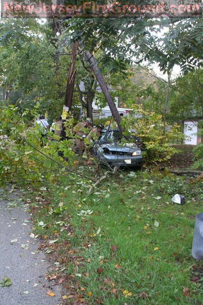 10-14-11 (Camden County) Gloucester Twp Almonesson Rd at Cole Landing Rd -MVA Rescue