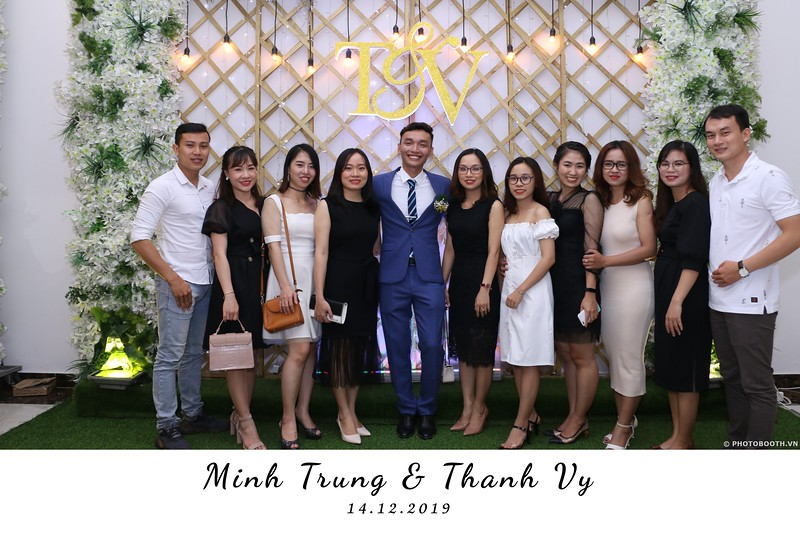 Trung-Vy-wedding-instant-print-photo-booth-Chup-anh-in-hinh-lay-lien-Tiec-cuoi-WefieBox-Photobooth-Vietnam-126.jpg