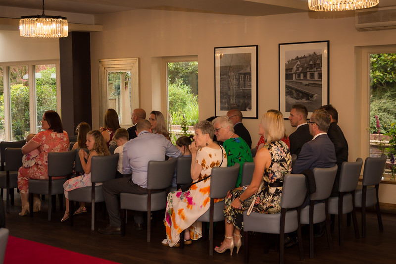 Sam_and_Louisa_wedding_great_hallingbury_manor_hotel_ben_savell_photography-0023.jpg