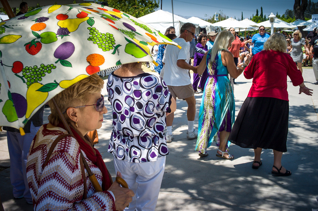 . Color and dancing at the 41st annual valley Greek Festival at the Saint Nicholas Greek Orthodox Church at the corner of Balboa and Plummer streets in Northridge.  The festival runs through Monday with food, music, dancing and crafts.   ( Photo by David Crane/Los Angeles Daily News )