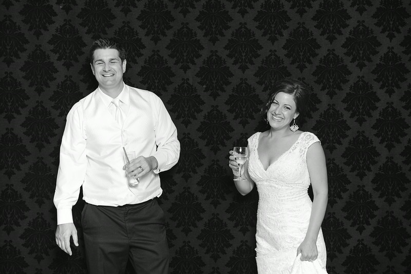 NinaLilyPhotography_Harvey_PhotoBooth298.jpg