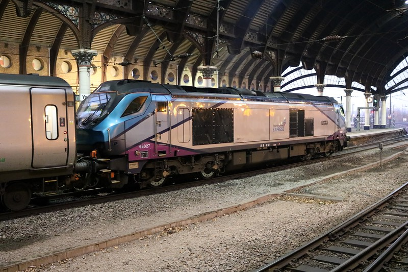 68027 'Splendid' 0801/1E23 Manchester Piccadilly-Scarborough at York  30/12/19