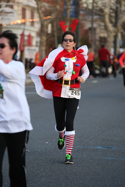 Toms River Police Jingle Bell Race 2015 - 01226.JPG
