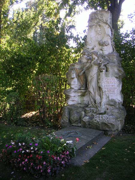 20 Strauss Grave.JPG