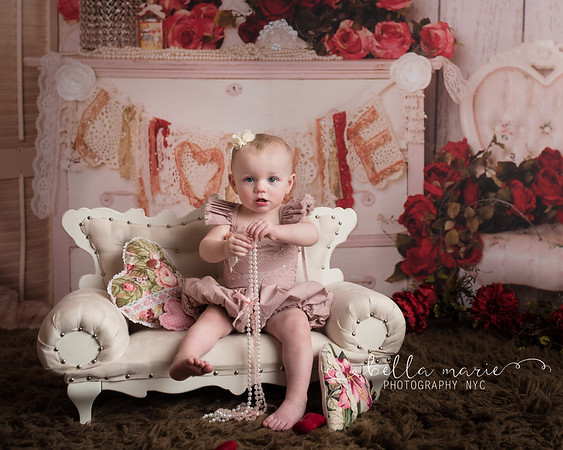 Lia's Valentine Session / 14 Months